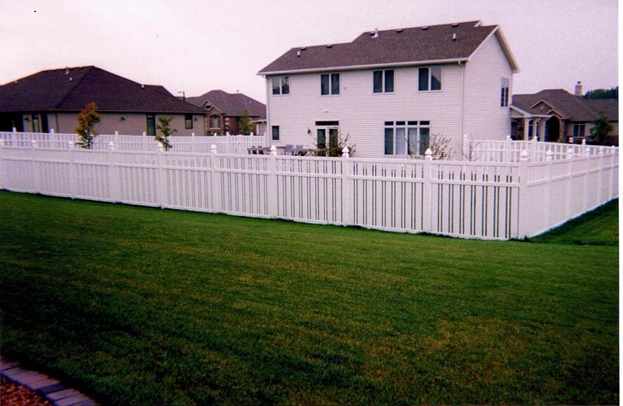 iowa white vinyl fence